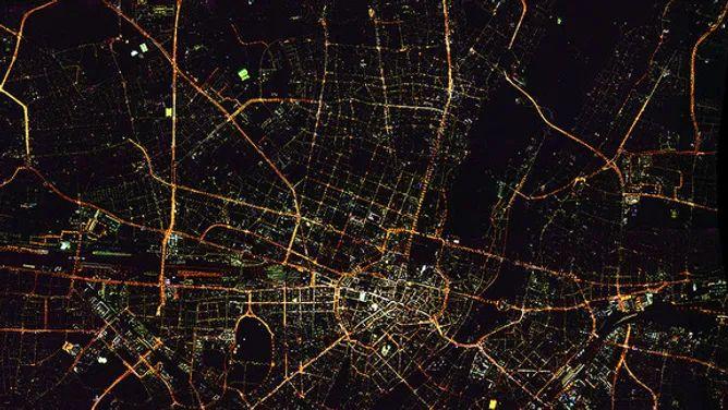 München bei Nacht – Luftbildaufnahme des DLR 3K-Kamerasystems (Quelle: DLR (CC-BY 3.0))