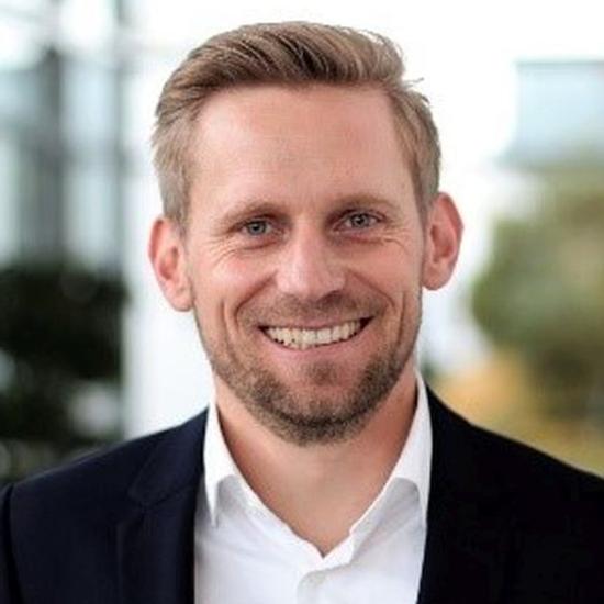 Dr. Alexander Grübel